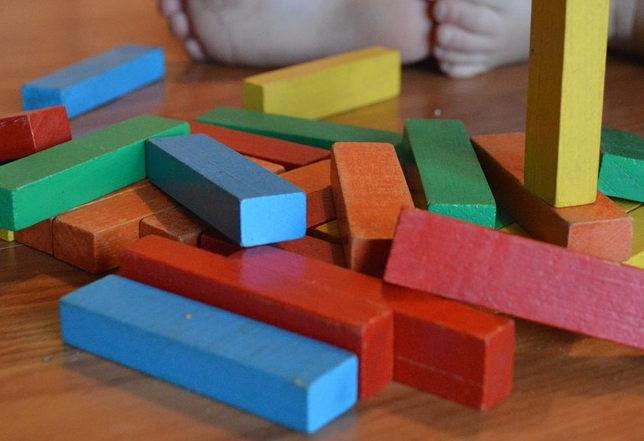 des jouets colorés