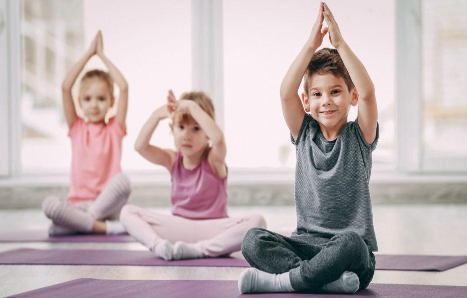 s'amuser avec le yoga